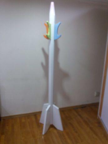 вешалка-карандаш для детской