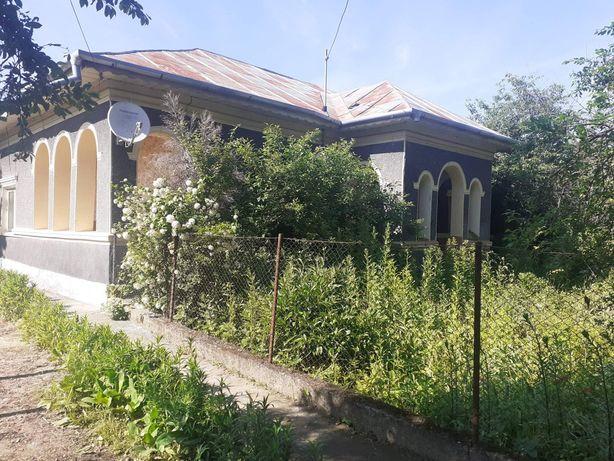 Vand casa cu teren (2350mp) in comuna Curcani, jud. Calarasi