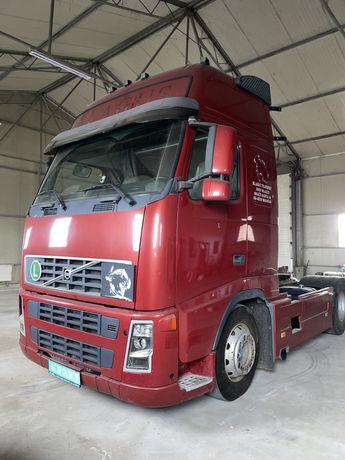 Cap tractor Volvo FH12-420. 716.000km