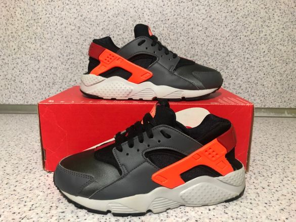 ОРИГИНАЛНИ *** Nike Air Huarache Run / Grey /Hyper Crimson/Black/ Red