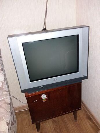 Продам телевизормарки LG