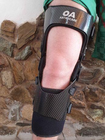 Artrocare OA2 orteză mobilă din carbon, genunchi/ picior dreptul
