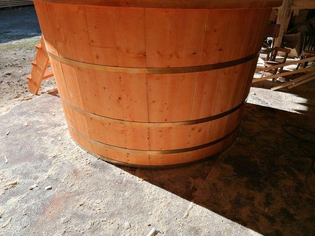 Piscina din lemn