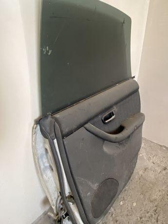 Дверь машины SUBARU