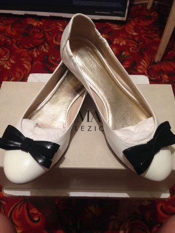 Обувь Armani в идеальном состоянии