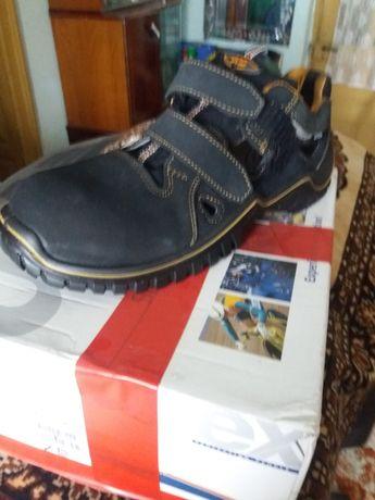 Uvex.pantofi lucru .noi