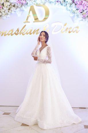 Выставочное свадебное платье! Корона, фата, весь образ в подарок!)
