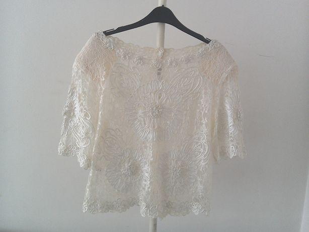 Bluză deosebită de damă, din dantelă albă până în talie
