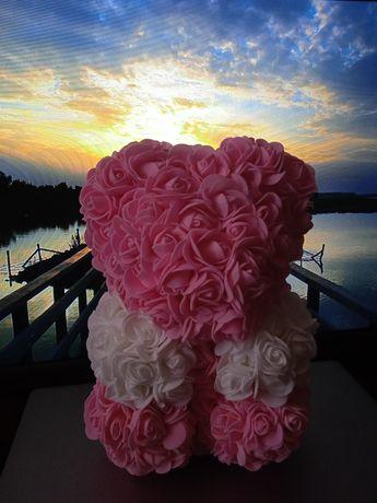 Подарок мишка из роз