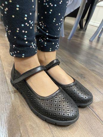 Туфли, сандали