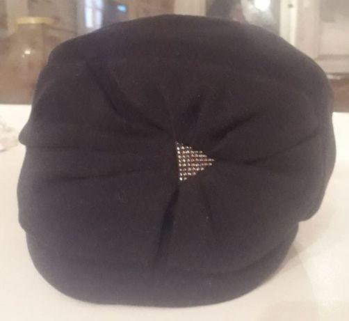Продам осений женский шапку Visaro