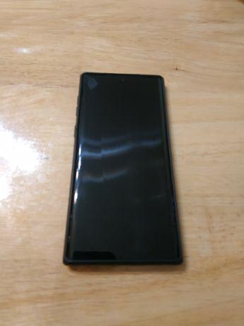 Samsung note 10 в отличном состоянии. Коробка все кроме наушников.