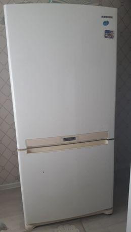 Продаётся холодильник