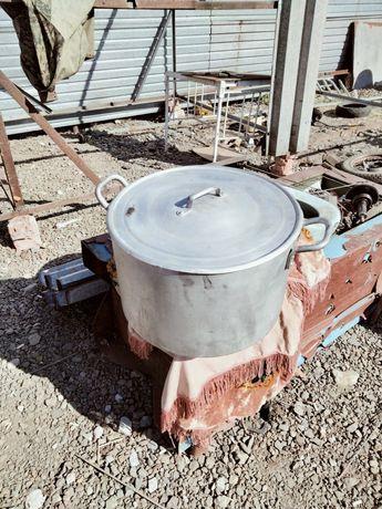 Продам кастрюлю производство СССР, 40 литров.