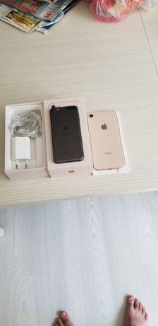 Vind iphone 8full box arată full box arată plus un ipod