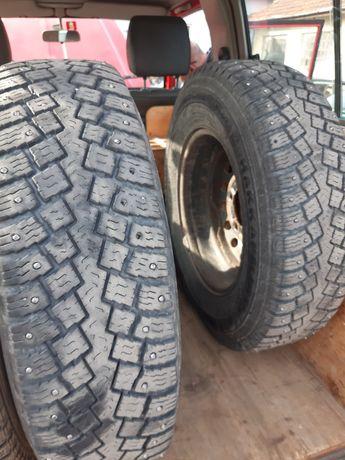 Продавам метални джанти с гуми за Тойота Ленд Круизер