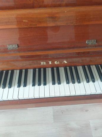 Пианино продаю. Рига