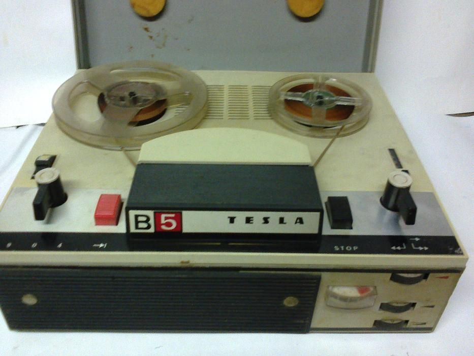Продавам ролков магнетофон ТЕСЛА В-5