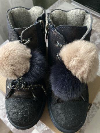 Ботинки утепленные для девочки - 29 размер.