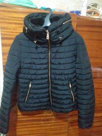 Куртка ZARA. Размер:М, чёрный цвет.