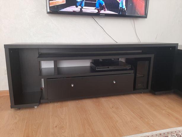 Продам тумбу под телевизор и журнальный столик в хорошем состоянии
