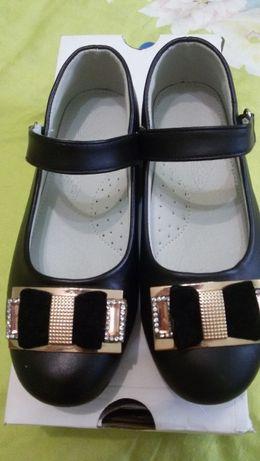 Туфли для девочек НОВЫЕ 30 р-р