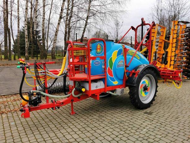 Masina de erbicidat 2000 litri + rampe 18 m