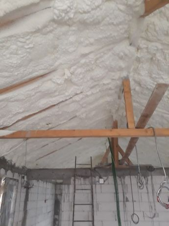 Izolatii/izolatie spuma poliuretanica mansarde, terase,fundatii Valcea