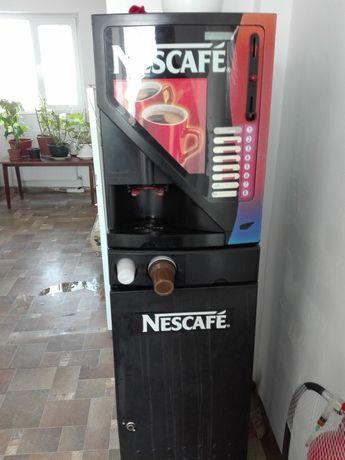 Automat de cafea instant Nescafe