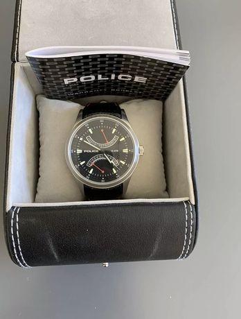 Часовник POLICE