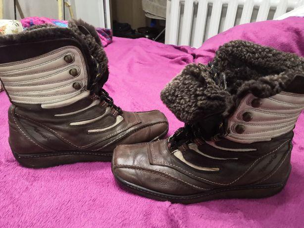 Спортивные женские зимние ботинки