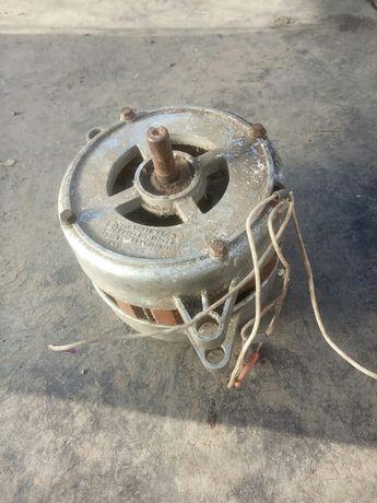 Электро мотор на машинку стиральную.