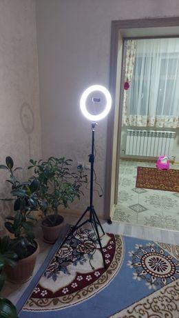 Лампа цветовая кольцевая