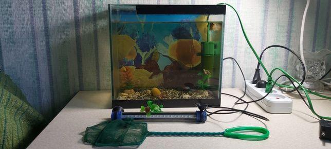 Продам аквариум  10  литров