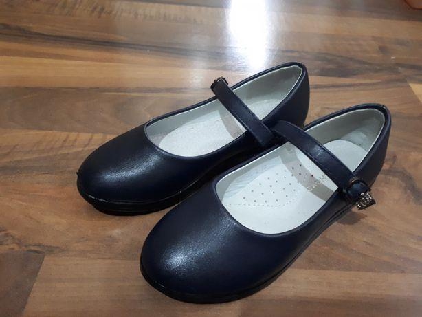 Туфли школьные и нарядные 32