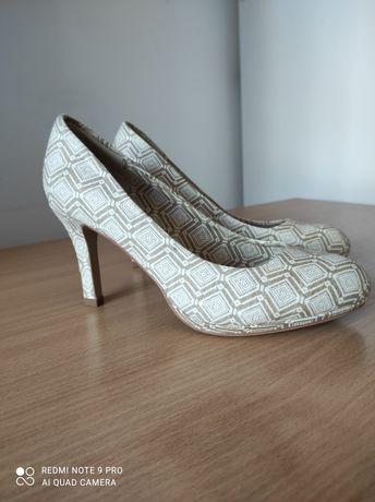 Pantofi cu toc mar 37