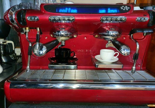 Продаю профессиональную кофемашину + кофемолку