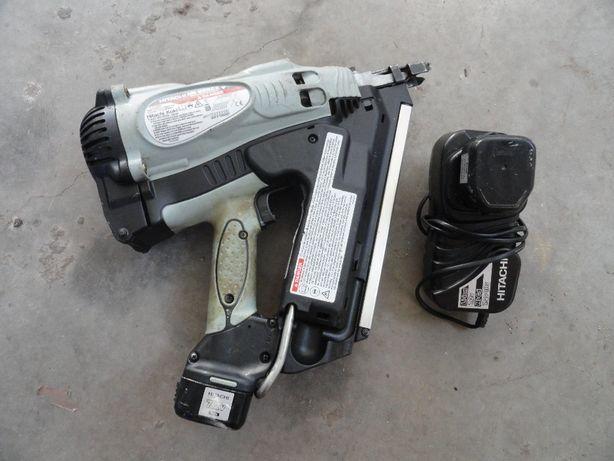 pistol cuie Hitachi NR90GC2