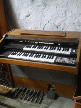 Продавам електрическо пиано