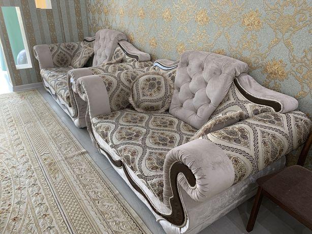 Мягкая мебель для гостиной. В идеале.