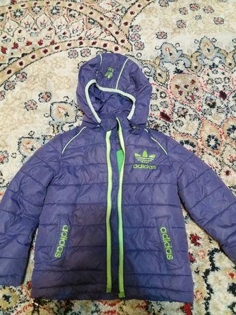 Продам куртки по 2000