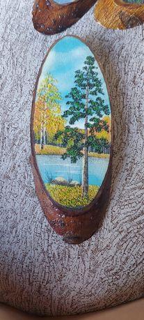 Продам картины на срубе дерева