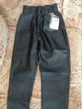 Кожаные утеплённые брюки