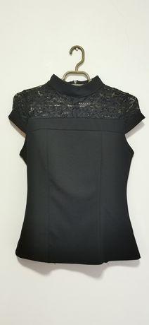 Bluză neagră cu dantelă