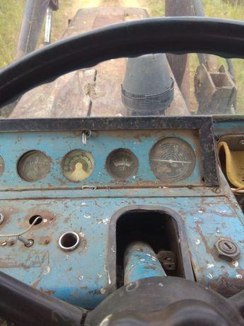 Продам трактор в хорошем состоянии на ходу