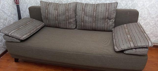 Диван с подушками 45000тг