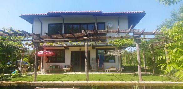 Луксозна къща в село Изгрев, Община Царево!