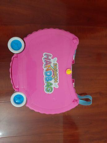 Домик-чемодан  для куколки LOL.