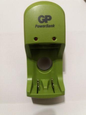 Incarcator Ni-MH original acumulatori AAA si AA GP Power Bank