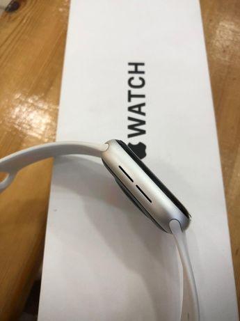 продается Apple Watch SE
